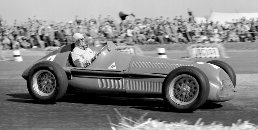 Nino Farina on his way to victory at the 1950 British Grand Prix