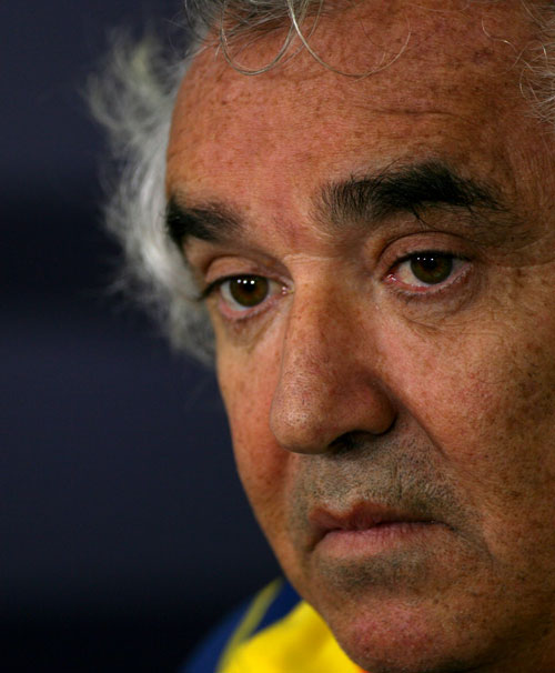 Flavio Briatore faces questions from the press