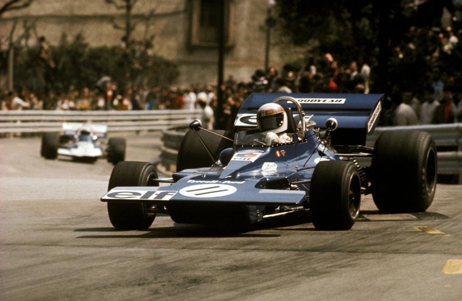 Jackie Stewart on his way to victory in Spain