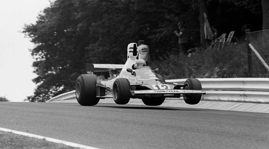Niki Lauda takes on Pflanzgarten at the 'Ring