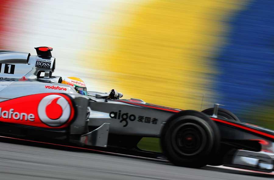 9439 - Hamilton happy to close gap to Red Bull
