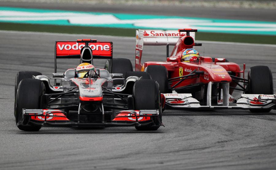 9533 - Alonso leads Ferrari - Hamilton