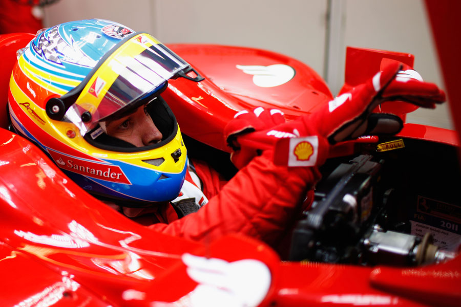 9592 - Alonso commits to Ferrari until end of 2016