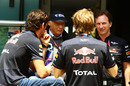 Sebastian Vettel and Mark Webber talk to Niki Lauda and Christian Horner