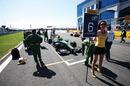 Esteban Gutierrez arrives at the grid