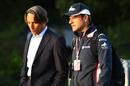 Rubens Barrichello talks to Williams chairman Adam Parr